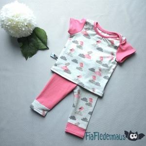 Selbstgenähtes Babyset aus Hose und Kurzarmshirt in Größe 62 kaufen