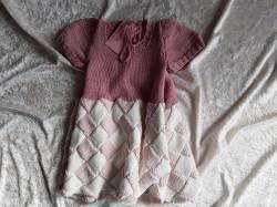 Handgestrickte Kleid mit Entrelacmuster Gr. 98/104