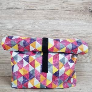Handgenähter Lunch-Bag aus buntem Wachstuch