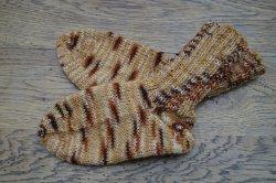 Schicke Kindersocken aus 4-fach Sockenwolle in Größe 25