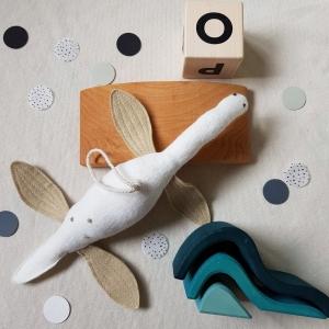 Handgefertigter, dreidimensionaler Girlanden- Anhänger ´Plesiosaurus` Weiß, aus nachhaltigen und natürlichen Materialien