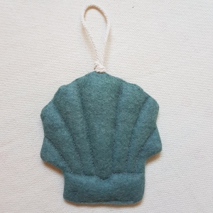 Handgefertigter Girlanden-Anhänger ´Muschel` Altmint, aus hochwertigen und natürlichen Materialien    - Handarbeit kaufen