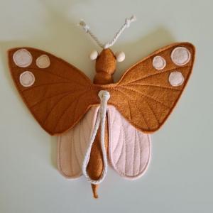 Handgefertigter, dreidimensionaler Girlanden- Anhänger ´Schmetterling` Terracotta/Rosa, aus hochwertigen und natürlichen Materialien  - Handarbeit kaufen