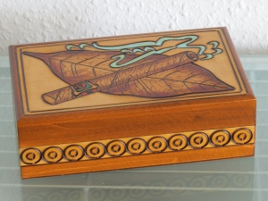 Zigarrenkiste Zigarrenbox Zigarrenetui Zigarren Holzbox Holz Box Kästchen - Handarbeit kaufen