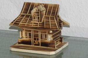 Haus Hütte Alpenhütte Spardose Holz Holzhaus NEU