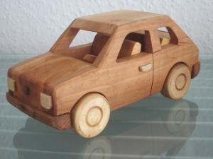 Oldtimer Maluch 126P Bambino Holz Auto Modellauto PKW Holzauto