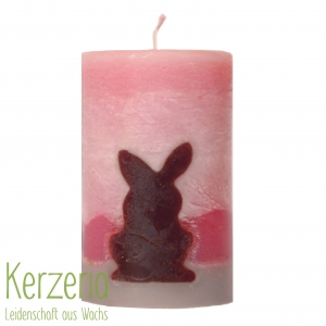 Osterkerze Hase auf der Abendwiese handgemacht aus recyceltem Wachs