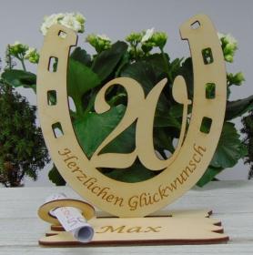 Personalisiertes Geschenk zum 20. Geburtstag, Hufeisen 15 cm aus Holz Geldscheinhalter und Gutscheinhalter - Handarbeit kaufen
