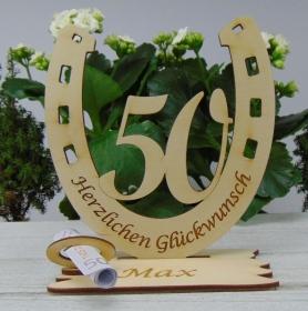 Personalisiertes Geschenk zum 50. Geburtstag, Hufeisen 15 cm aus Holz mit Geldscheinhalter und Gutscheinhalter - Handarbeit kaufen