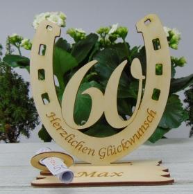 Personalisiertes Geschenk zum 60. Geburtstag, Hufeisen 15 cm aus Holz mit Geldscheinhalter und Gutscheinhalter - Handarbeit kaufen