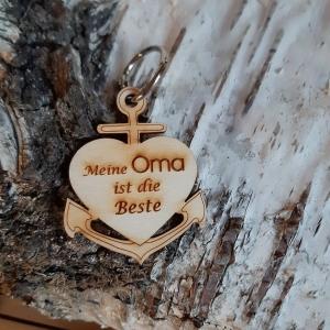 Schlüsselanhänger aus Holz ♥ Meine Oma ist die Beste ♥ Anker mit Herz zum Verschenken  - Handarbeit kaufen