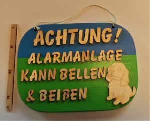 Spruch aus Holz ★ Achtung Alarmanlage! Kann bellen und beißen ★ Geschenk für Geburtstag, Hundefreund, Geschenk für Opa und Oma, Holzteilchen DIY - Handarbeit kaufen