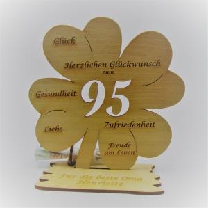 Geldgeschenk Kleeblatt 11 cm aus Holz zum 95. Geburtstag,  Herzlichen Glückwunsch Personalisiert     - Handarbeit kaufen