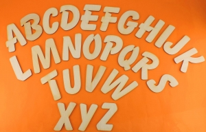 Großbuchstabe, Zahl und  Zeichen aus Naturholz ★8 cm ★ zum basteln und kreativen gestalten  - Handarbeit kaufen