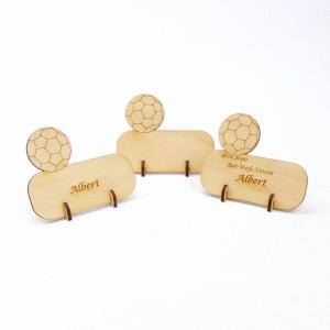 Namensschild, Tischkarte mit Fußball aus Holz für Geburtstag Hochzeit Taufe Kindergeburtstag Fußball Verein - kann personalisiert werden  - Handarbeit kaufen