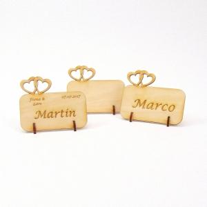 Tischkarte Doppelherz für Hochzeit Platzkarte Namensschild für Festtafel aus Holz, für Verliebte, fürs Brautpaar - Handarbeit kaufen