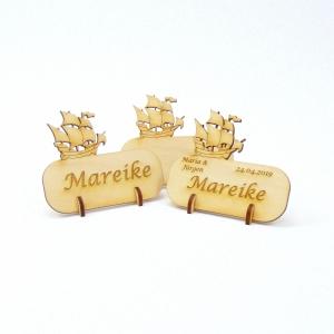 Tischkarte für echte Kapitäne, Platzkarte Namensschild mit Dreimaster Schiff für Festtafel aus Holz, Maritim, Meer - Handarbeit kaufen