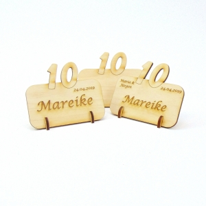 Tischkarte mit Zahl 10, Platzkarte Namensschild für Festtafel aus Holz, 10. Jubiläum, 10. Hochzeitstag - Handarbeit kaufen