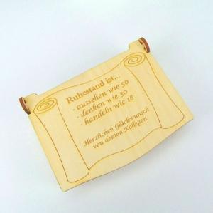 Geschenk zum Ruhestand oder Zur Rente Personalisiert, aus Holz für Gutschein oder Geldgeschenk graviert - Handarbeit kaufen