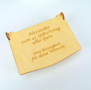 Geldgeschenk zum Geburtstag mit Jahreszahl Personalisiert als Schatzkiste, aus Holz auch mit Ihrem Namen - Handarbeit kaufen