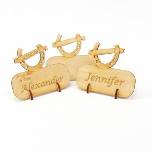 Hufeisen mit Banner, Tischkarte Namensschild aus Holz für Hochzeit Tafel, Gastgeschenk - Handarbeit kaufen