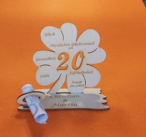 Personalisiertes Geldgeschenk ♥ zum 20. Geburtstag ♥ Kleeblatt Naturholz ♥ - Handarbeit kaufen