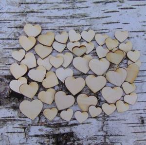 ♥ Herzen ♥ 50 Stck gemischt.aus Vollholz, zum bemalen,  Hochzeitsdekoration Tischdeko   - Handarbeit kaufen