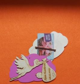 Geldgeschenk Wolke aus Birkenholz bemalt in Lila ,★ Zur Geburt mit Name und Datum Personalisiert ★ Mit Wolke ca 15 cm breit  Holzteilchen DIY  - Handarbeit kaufen