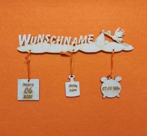 Türschild  ,★ Zur Geburt mit Name Personalisiert ★ Naturholz 25 cm breit Storch auf  Wolke  Holzteilchen DIY  - Handarbeit kaufen
