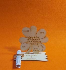 Kleeblatt Geldgeschenk ♥ zur Hölzernen Hochzeit ♥ Holz 11,7 cm Personalisiert, Geschenk - Handarbeit kaufen