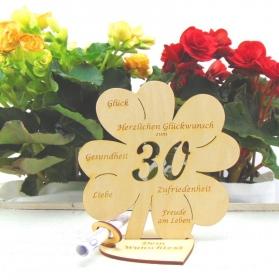 Personalisiertes Geldgeschenk ♥ Zum 30. Geburtstag ♥ Naturholz graviertes Kleeblatt 16 cm mit Herz  Geschenk  mit eigenen Namen - Handarbeit kaufen