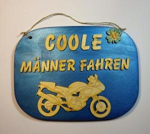 Türschild aus Holz in blau ★ Coole Männer fahren Motorrad ★ Geschenk, Geburtstag, Holzteilchen_DIY, Spruch aus Holz - Handarbeit kaufen