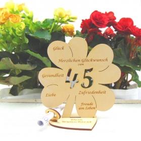 Personalisiertes Geldgeschenk ♥ Zum 45. Geburtstag ♥ Naturholz graviertes Kleeblatt 16 cm  Geschenk  mit eigenen Namen - Handarbeit kaufen