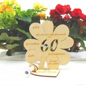 Personalisiertes Geldgeschenk ♥ Zum 60. Geburtstag ♥ Naturholz graviertes Kleeblatt 16 cm mit Herz, Geschenk  mit eigenen Namen  - Handarbeit kaufen