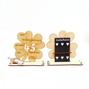 16 cm großes ♥ Personalisiertes Kleeblatt ♥ Geburtstagskleeblatt Zahl 45 mit Glückwünschen aus Birkenholz  - Handarbeit kaufen