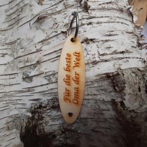 Schlüsselanhänger  ♥Für die beste Oma der Welt ♥ aus Holz   zum Verschenken - Handarbeit kaufen