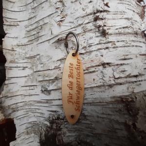 Schlüsselanhänger  ♥Für die beste Schwiegertochter ♥ aus Holz zum Verschenken  - Handarbeit kaufen