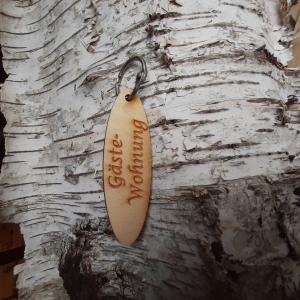 Schlüsselanhänger  ♥ Gästewohnung  ♥ aus Holz zum Verschenken oder Leihen - Handarbeit kaufen