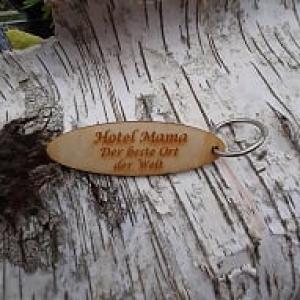 Schlüsselanhänger  ♥ Hotel Mama der beste Ort der Welt ♥ aus Holz zum Verschenken  - Handarbeit kaufen