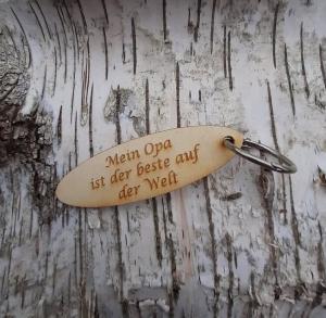 Schlüsselanhänger  ♥ Mein Opa ist der Beste auf der Welt ♥ aus Holz zum Verschenken - Handarbeit kaufen