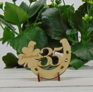 Tischdekoration/ Geschenk ★ Hufeisen aus Holz mit Kleeblatt und Jahreszahl 35★ zum Verschenken zum Geburtstag oder Jahrestag - Handarbeit kaufen