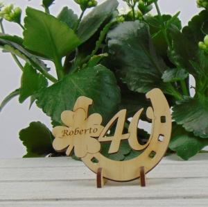 Tischdekoration/ Geschenk ★ Hufeisen aus Holz mit Kleeblatt und Jahreszahl 40★ zum Verschenken zum Geburtstag oder Jahrestag - Handarbeit kaufen