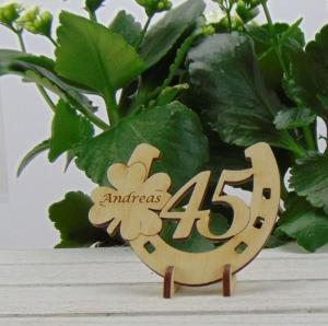 Tischdekoration/ Geschenk ★ Hufeisen aus Holz mit Kleeblatt und Jahreszahl 45 ★ zum Verschenken zum Geburtstag oder Jahrestag - Handarbeit kaufen