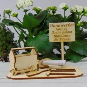 Geld - Gutscheingeschenk ★Werkzeugkasten mit lustiger Aufschrift:  - Handarbeit kaufen