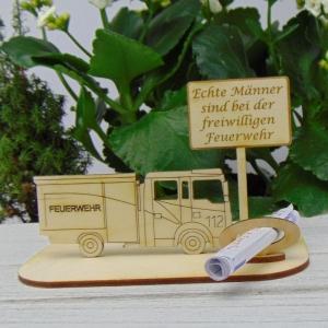 Geld - Gutscheingeschenk ★ für Feuerwehr  Echte Männer sind... ★  aus Holz mit Aufschrift Jubiläum Feuerwehr Personalisiert   - Handarbeit kaufen