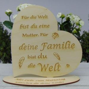 ★ Personalisiertes Muttertags Herz  aus  Holz ★ Für die Welt bist du eine Mama Für deine Familie..... mit Ihrem Wunschtext graviert - Handarbeit kaufen