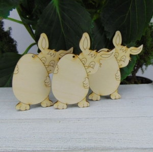 Osterdekoration- oder Geschenk ★ Hasen mit Ei aus Holz ★ 3 Stück ★ zum Aufhängen an den Osterstrauß - Handarbeit kaufen