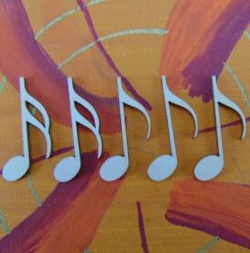 Musikalische Dekoration ★ 5 er Set Noten 42 mm ★ zum Verschenken für ein Jubiläum oder selbst dekorieren  - Handarbeit kaufen