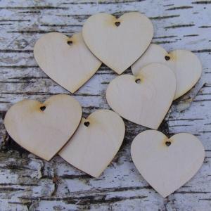 Herz aus Holz 7 Stck in 6 cm breit mit Herzloch Tischdeko oder Tischkarten für Jubiläum Geburtstag Muttertag  - Handarbeit kaufen
