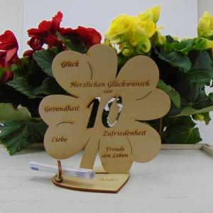 Geldgeschenk ♥ Zum 10. Geburtstag ♥ Naturholz graviertes Kleeblatt 16 cm mit Herz Personalisiert, Geschenk  mit eigenen Namen  - Handarbeit kaufen